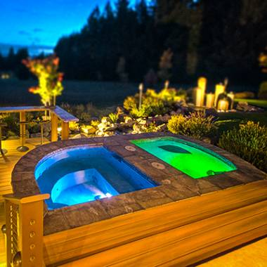 Custom Pools & Spas