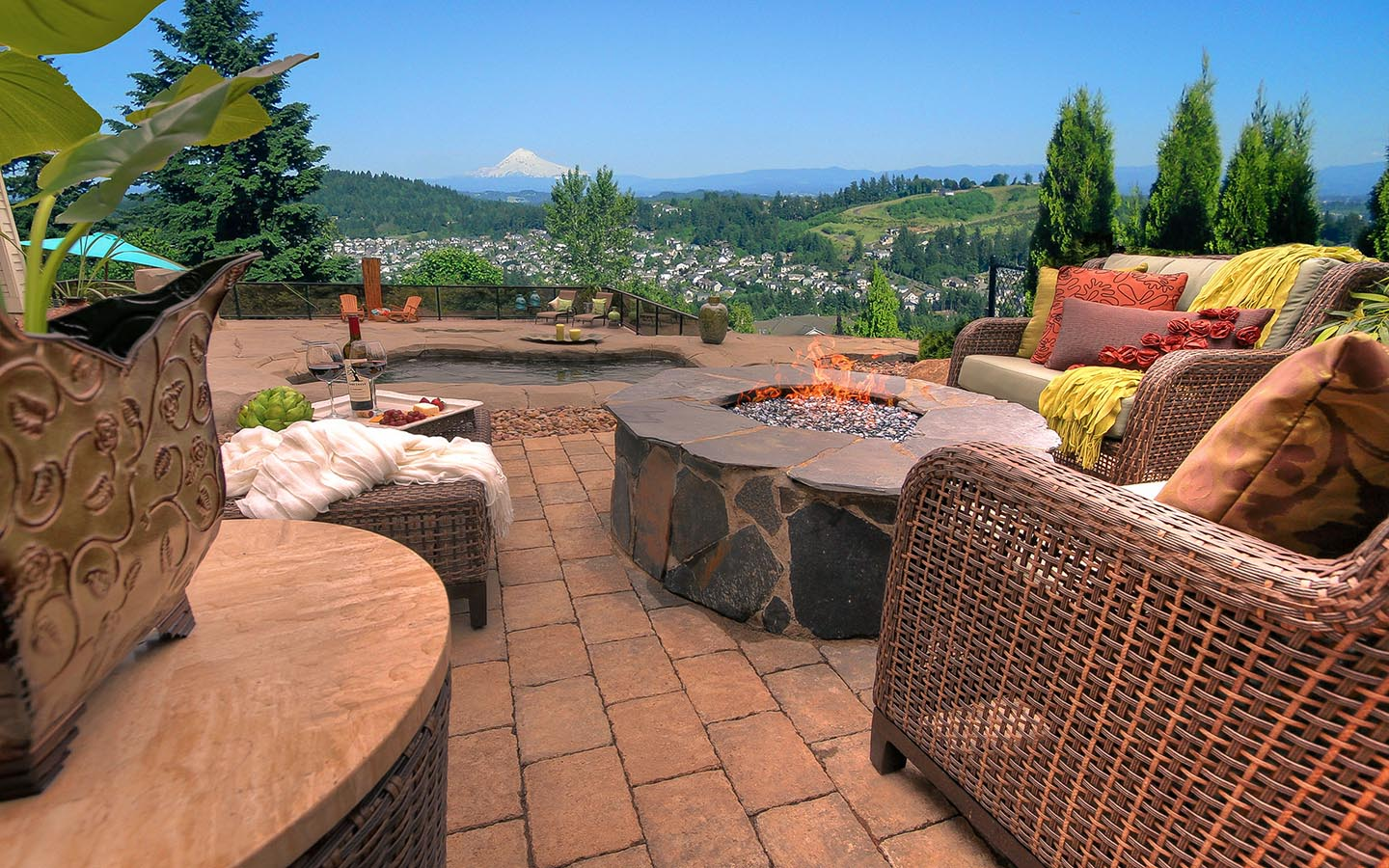 Nguyen Property - Firepit with a View!