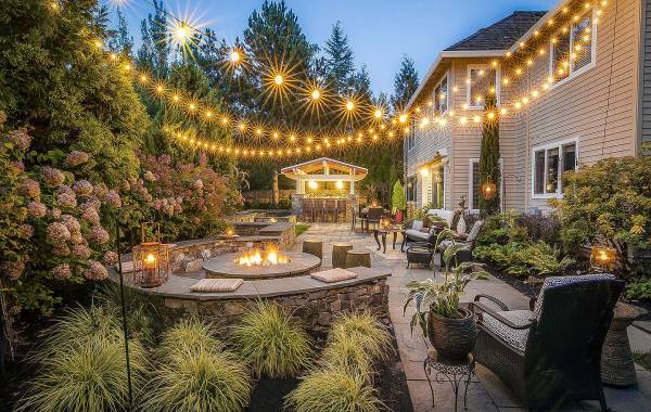 Full shot of Landscaping Lake Oswego