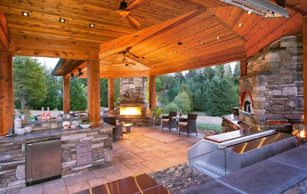 Four Seasons Outdoor Living
