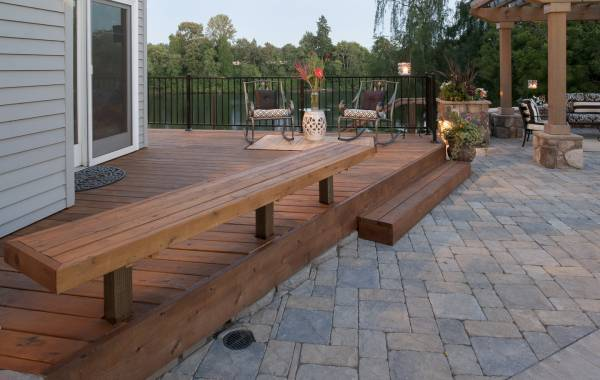 Custom wood decking with seat bench, riverview