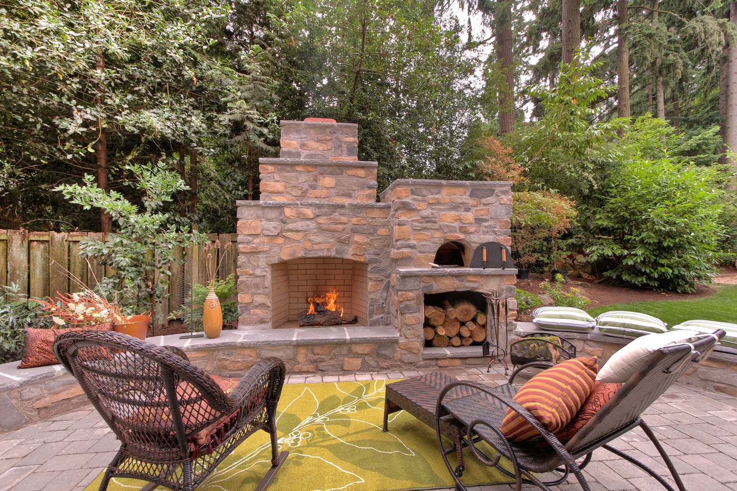 Outdoor Fireplace Pizza Oven Paradise