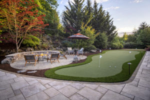 Poolside fire bowl & putting green