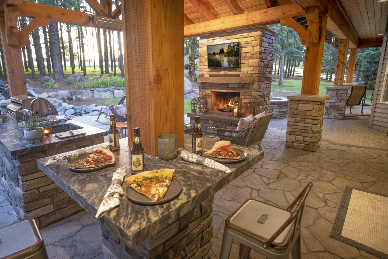 Modern Outdoor Bar in landscape design