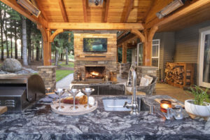 Outdoor TV in Landscapes