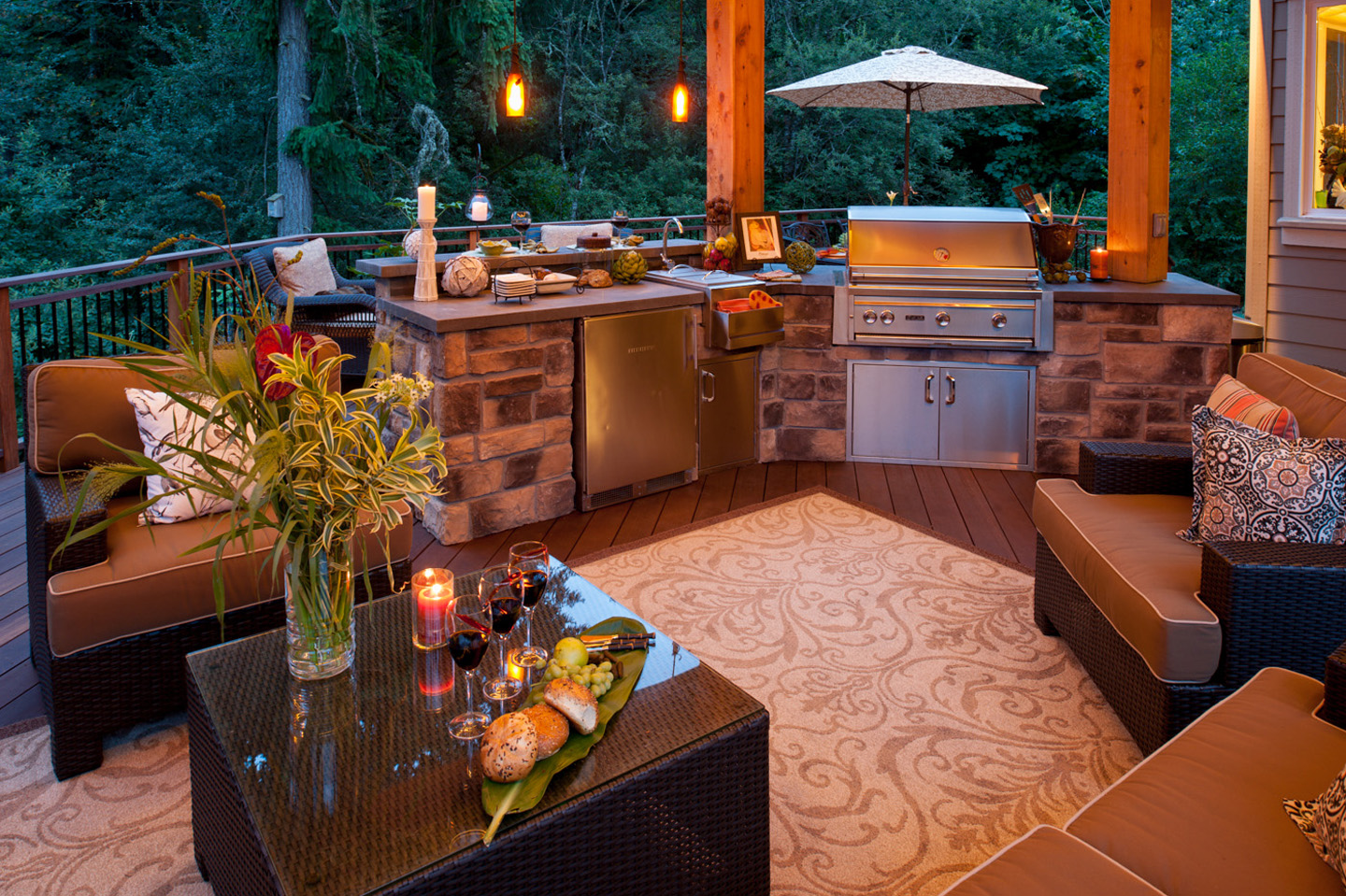 Pendant Lights in outdoor kitchen