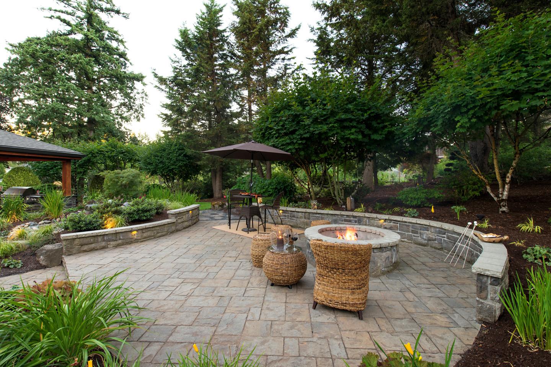 Firepit Seatwall in Sloped Backyard