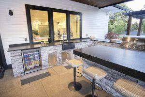 Outdoor Kitchen Bar & Utility Island