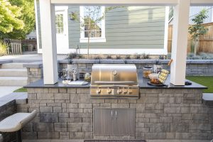 Retaining Wall In Outdoor Kitchen