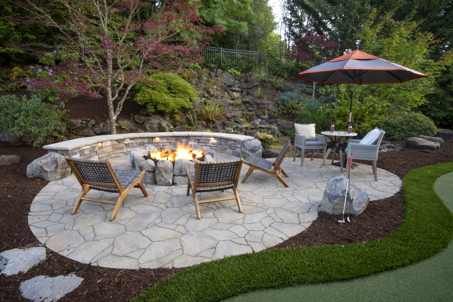 Firepit with Seat walls